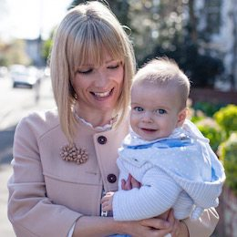 Image of Laura Robinson, Caboodle Style Founder, showing her New Mum Personal Style in 2014